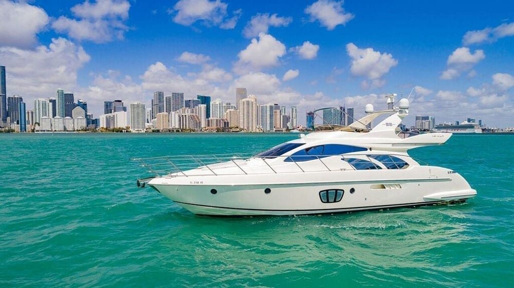 How much to rent a Boat in Miami?