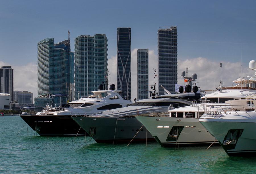 Boat charter Broker in Miami