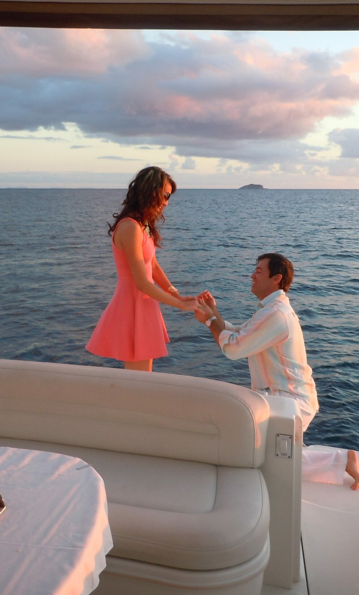 propose on a boat charter In Miami