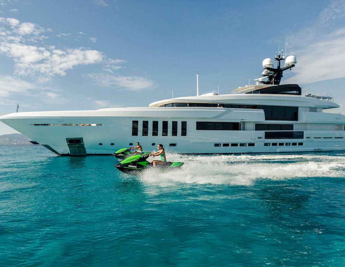 A Private Yacht Charter costs